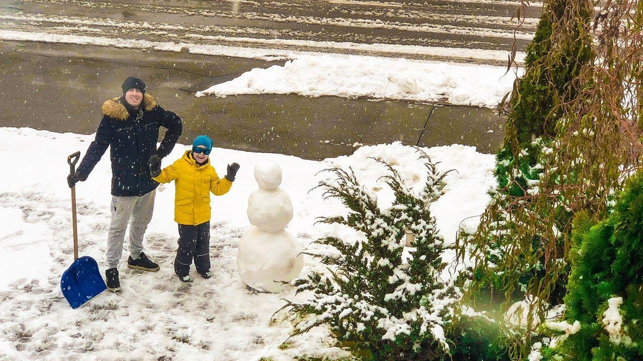 Картонка - Илья и папа забросали маму снежками! - Мультики ...