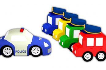 4 машинки помогают полицейской машинке