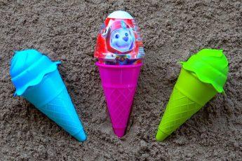 Учим цвета с Сюрпризами Щенячий Патруль и Цветным Мороженным  Разноцветные формочки для малышей